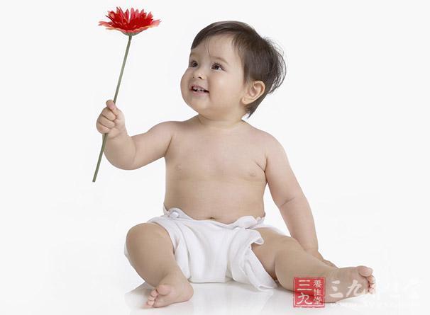 间歇性或持续性,急性感染时流脓发作或脓液增多,可伴有儿童。脓液性质为黏液性或黏脓性,长期不清理可有臭味。.jpg
