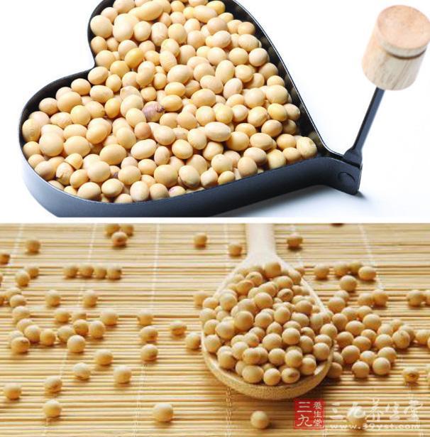3.多食大豆 大豆中富含有很丰富的卵磷脂,这是一种很好的孵化剂,能够使血液中的胆固醇的颗粒变小,并且能够保持悬浮的状态,这样有利于脂类透过血管壁为组织所利用,能够起到很好的降低血液中的胆固醇的作用,能够是血粘稠度得到很好的改善。  4.少吃动物内脏、动物脂肪及甜食 动物内脏如猪脑、猪肚、肥肠及动物脂肪含有大量胆固醇与饱和脂肪,可加重血粘稠程度,促使动脉硬化。甜食糖分多,能升高血中的甘油三脂,也可提升血液的粘稠度。故三餐宜清淡一些,以素为主,粗细粮搭配。 5.