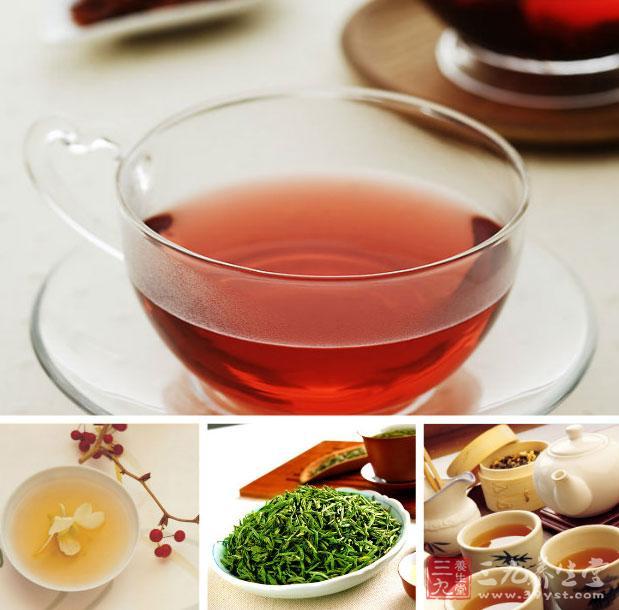 男人秋季必备养生茶   进入秋季之后,天气变得干燥,不仅是女性朋友们需要补水,广大的男性朋友也需要补水的哦!那么你们知道男性在应该怎么补水吗,其实小编推荐大家可以选择一些茶饮来代替的哦!你们知道哪些茶是可以在秋季帮助男性补水的吗?   1、萝卜茶   此茶能清肺热、化痰湿,加少许食盐既可调味,又可清肺消炎。主要选用白萝卜100克、茶叶5克,先将白萝卜洗净切片煮烂,稍微加点食盐调味,再将茶叶冲泡5分钟后倒入萝卜汁内服用,每天2次。   2、银耳茶   此茶有滋阴降火,润肺止咳的功效,特别适用于阴虚咳嗽。