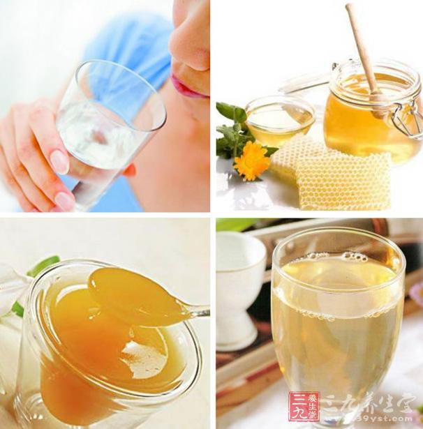 早晨一杯蜂蜜水清肠排毒