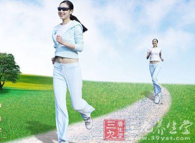 有益健康的跑步应该注意以下四点:适时、适量、适体和伤痛问题。