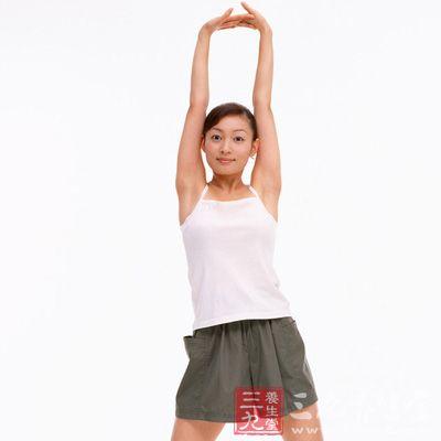 手持哑铃跑步似乎是一种集心肺功能训练与力量训练于一体的好方法