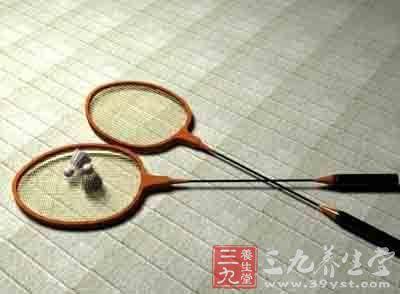 羽毛球拍品牌