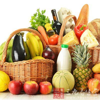 日常饮食多吃一些振奋精神、消除疲劳的饮食,也可以消除不良情绪,缓解压力