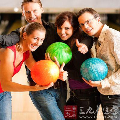 球的制造包括球的核心型式、外壳材质、表面处理。