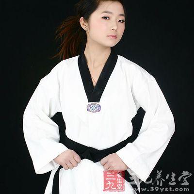 还有一种跆拳道是被称之为武道,是也就是人们说的大众跆拳道和表演跆拳道