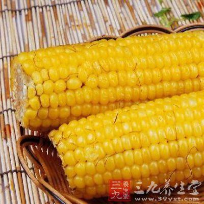 玉米中所含的维生素E有促进细胞分裂、延缓衰老、降低血清胆固醇、防止皮肤病变的功能