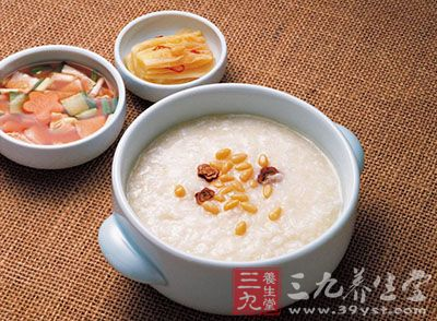 白萝卜、青橄榄各适量,煎水代茶饮。可预防治疗流行性感冒、白喉