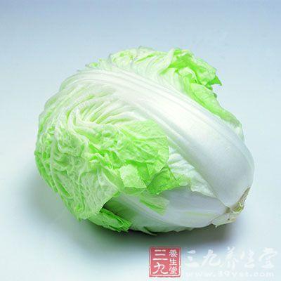 芹菜根60克,大枣10枚,水煎,吃枣喝汤,可预防高血压、动脉硬化。