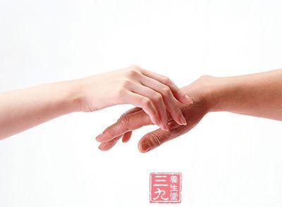手纹包括掌纹及指纹,合称手相学