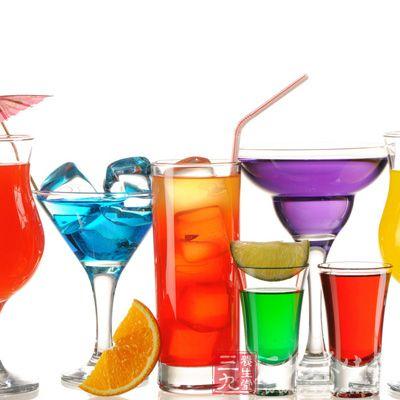 碳酸饮料的危害 常喝碳酸饮料会出现的九个问题图片