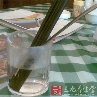 碗筷卡通画矢量图