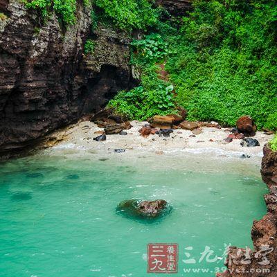 涠洲岛位于广西北海市正南面21海里的海面上