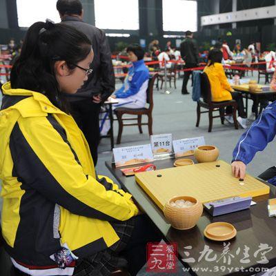 教会孩子们遵守下棋的基本原则