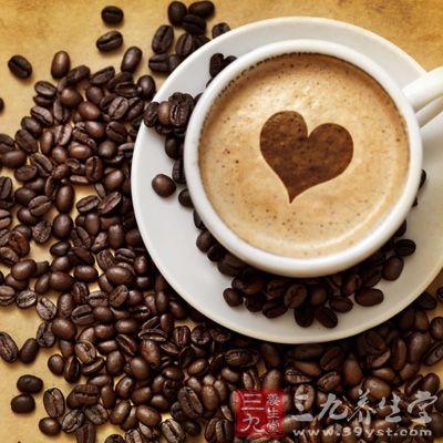 老年人喜欢喝茶,不少年轻人喜欢喝咖啡,不是说一点都不能喝,但要注意