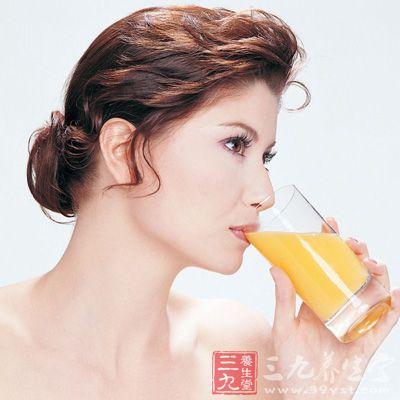 维生素C饮料多喝无益,适量即可。