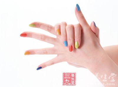 5个小窍门帮你保养手指甲