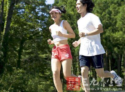 虚弱的臀部肌肉,还会影响跑步的效果