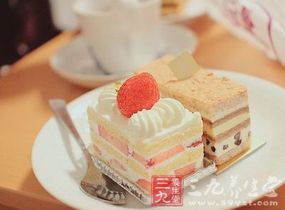 所以想吃蛋糕的时候就会选择少吃一点点,为了不让自己方胖.