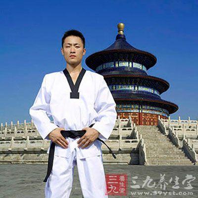 武术教学 跆拳道腰带系法和颜色区别