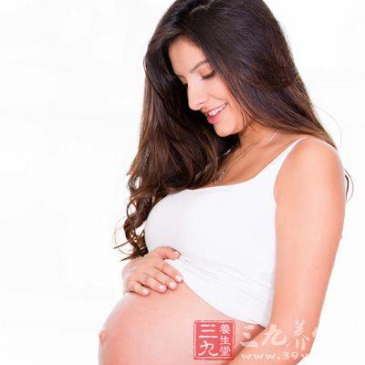 防治妊娠纹可以使用专业抗妊娠纹乳液
