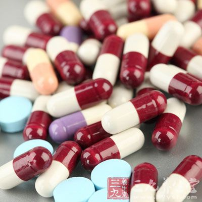妊娠期妇女一旦得了尿路感染,必须使用有效的抗菌药物进行治疗