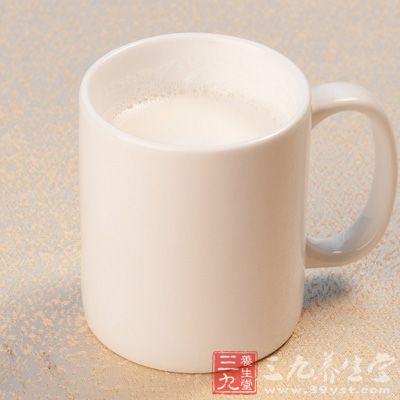 铅作业人员不宜喝牛奶