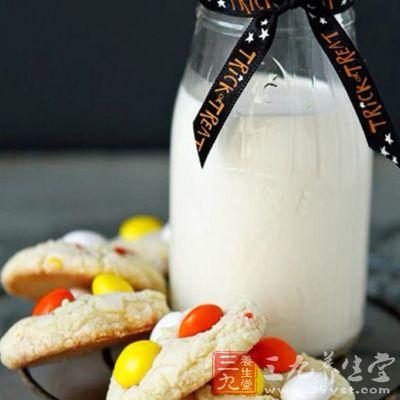 加热牛奶饮用,比起冷牛奶更能使肠胃活跃,让好吸收进行到底