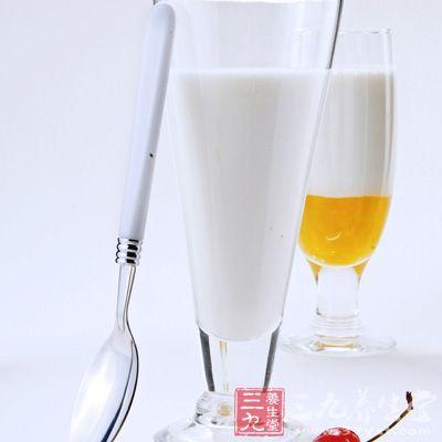 牛奶的营养价值之矿物质和维生素