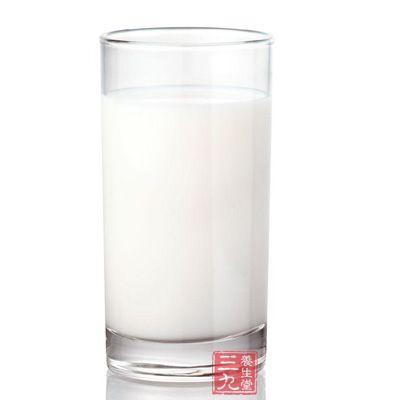 奶制品中丰富的钙元素,对人体内的脂肪降解非常重要
