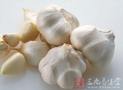 大蒜是公认的防癌食物,有明显的抗癌功效