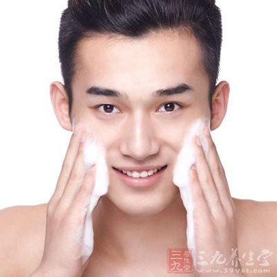 男性正确洗脸的六个步骤介绍