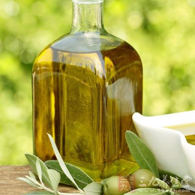 橄榄油防眼角皱纹