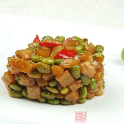 萝卜干维生素B、铁质含量很高,是高级养生食物,既咸且爽,吃起来别有一种风味