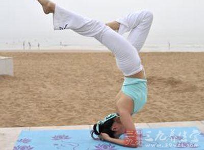 瘦腿动作8个v瘦腿瑜伽瑜伽瘦脸瘦腿教程针咬肌无力吃什么图片