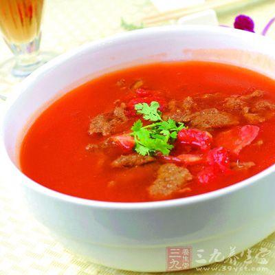 番茄配牛肉:暖胃又滋补