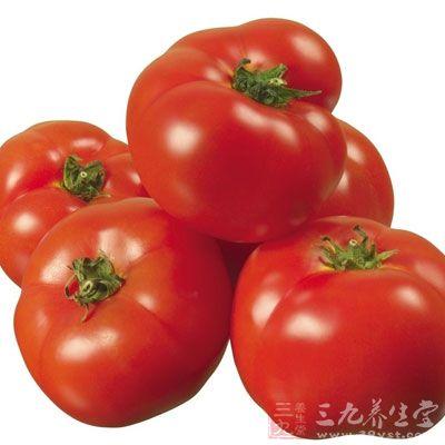 西红柿在夏季最多,最甜,营养也最丰富