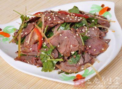 夏天吃狗肉的好处_孕妇吃狗肉有什么好处   狗肉的营养丰富,孕妇在冬季吃一点狗肉可