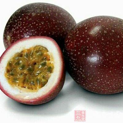 孕妇吃百香果可以适当的排毒,从而起到美容养颜的效果