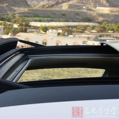 汽车天窗竟有这功能(3)