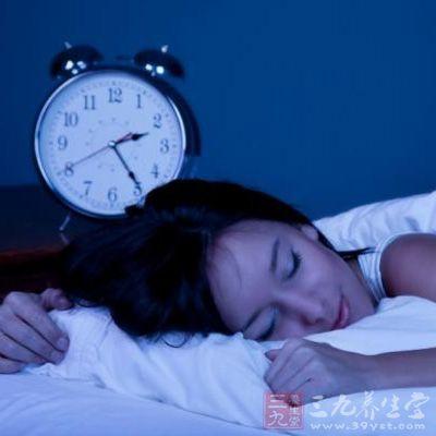 和训练小动物的惯性类似,这个训练是教失眠者尽快入睡.