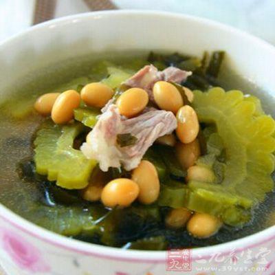 苦瓜瘦肉汤具有清热降火、清肝明目等作用