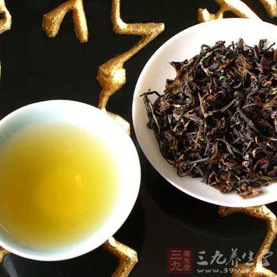 最近,日本德岛大学的学者研究出了一项新成果,他们发现乌龙茶能让