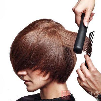 头发分叉怎么办 五个妙招养出柔顺秀发
