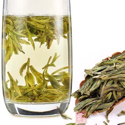 竹叶茅根茶