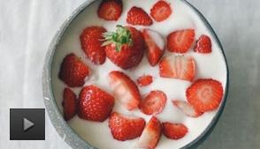 酸奶和酸奶饮料哪个更有营养