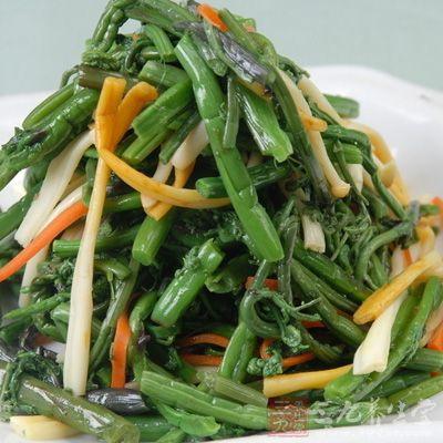 蕨的根茎供药用。性味:甘、寒。功用:清热、滑肠、降气、化痰。治食嗝、气嗝、肠风热毒