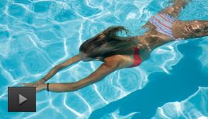 游泳会不会损伤皮肤