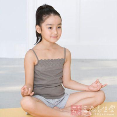 儿童瑜伽对于呼吸的要求不像成人瑜伽那么高,不过还是很重视深呼吸技巧的
