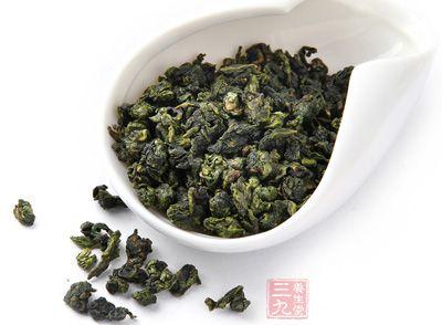 喝桑叶茶可以驱散体内的热气